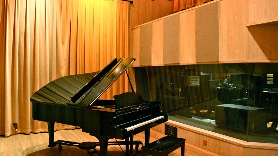 studioCliveroom960x540